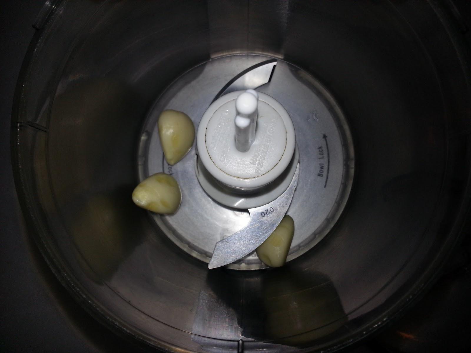 garlic in a food processor picture