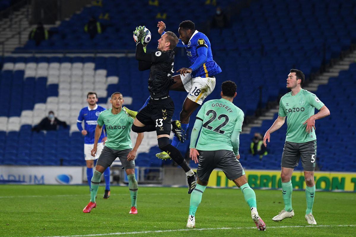Everton vừa để cho Brighton cầm hòa