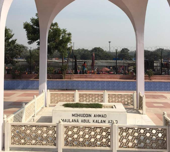 C:\Users\Chandraguru\Pictures\Abul Kalam azad\Scroll article\maulana-abul-kalam-azad-tomb-jama-masjid-delhi-tourist-attraction-4toe5puxs9.jpg