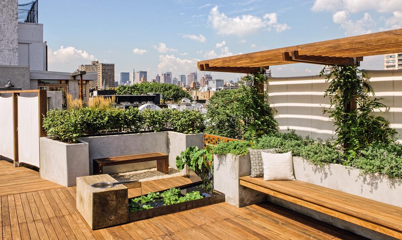 Thiết kế nhà 2 tầng với sân thượng tạo cảm giác thoáng rộng cho công trình
