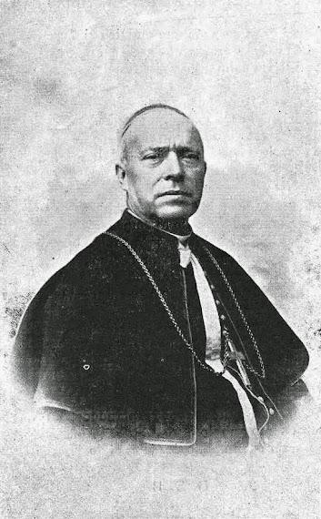 (Padre Cámara) fotografiado