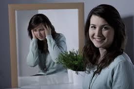 Trầm cảm mỉm cười: Dấu hiệu trầm cảm ẩn sau gương mặt hạnh phúc