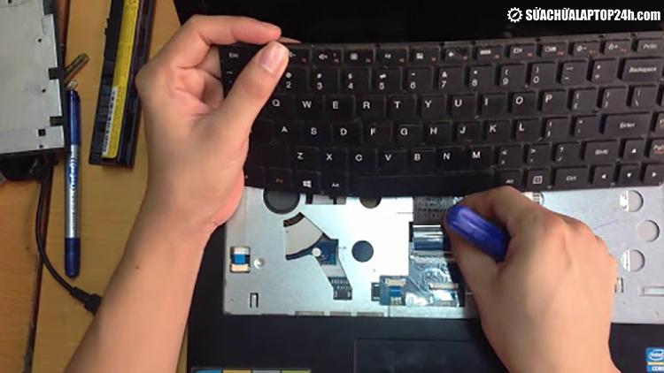 Thay mới bàn phím tại Sửa chữa Laptop 24h