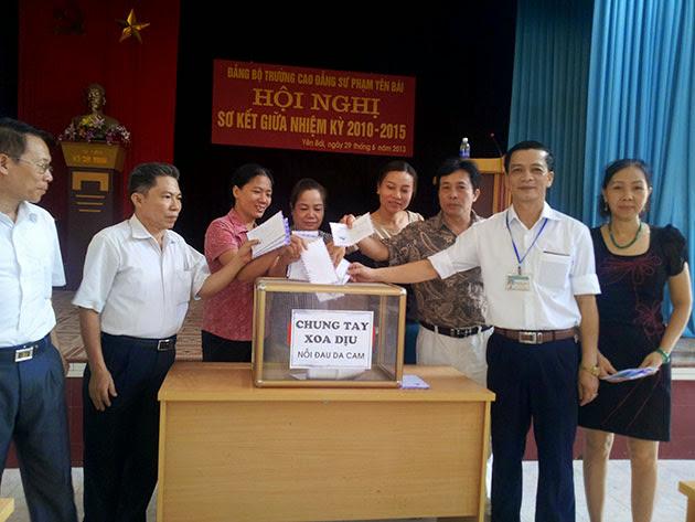 """Lễ phát động """"Chung tay xoa dịu nỗi đau  và ủng hộ Dự án Ngân hàng bò"""" tại Trường CĐSP Yên Bái"""