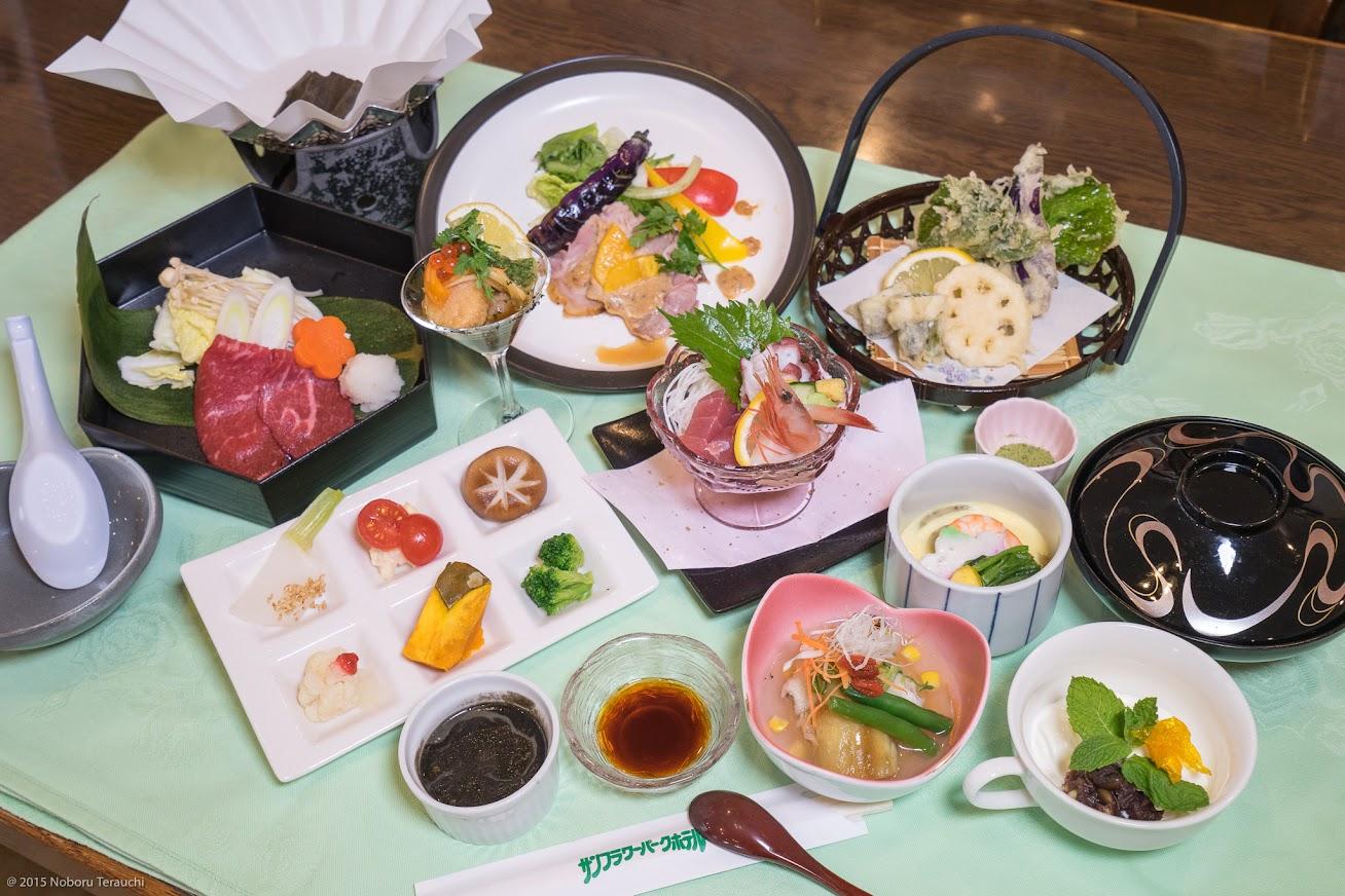 2015年夏宿泊スタンダードコースの夕食膳(2,800円)・サンフラワーパークホテル
