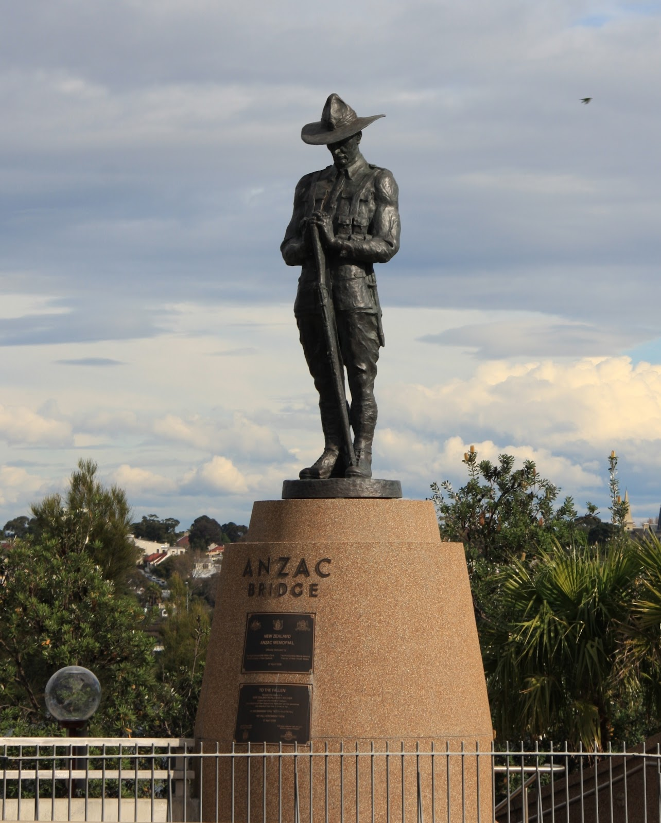 File:Anzac memorial.JPG