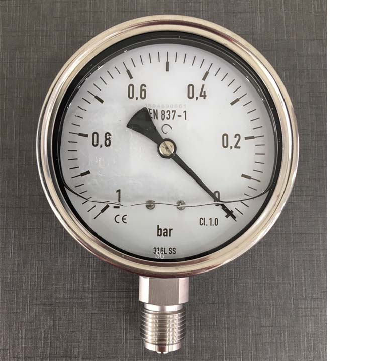 Dựa vao thang đo của đồng hồ áp suất