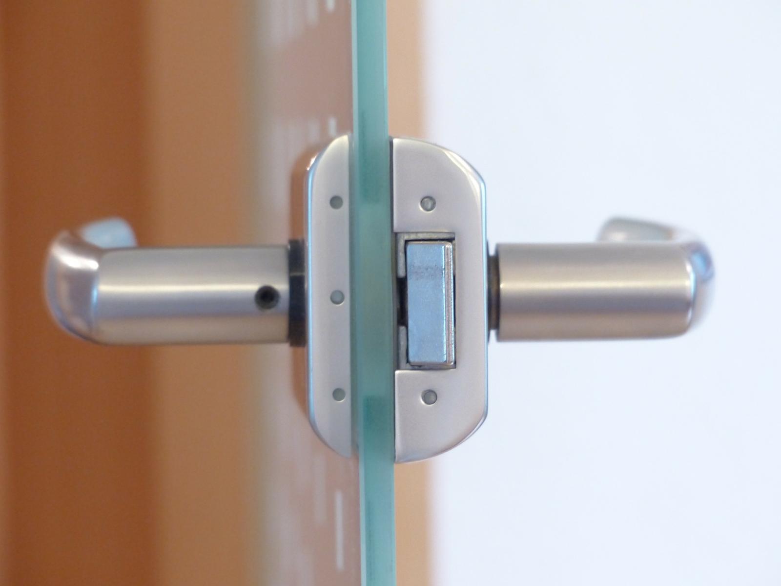 Fixing Loose Problem Door Handle Lock Take It Easy With Heleh
