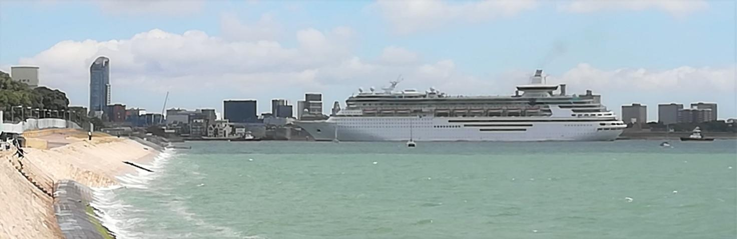 C:\Users\B\Downloads\Shipping - Majesty of the Seas approaching Portsmouth 20.07.20 (3).jpg