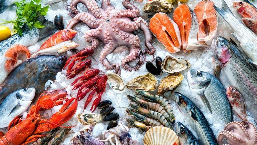 Thưởng thức hải sản tại Biển Đông là điều mà ai cũng thích thú