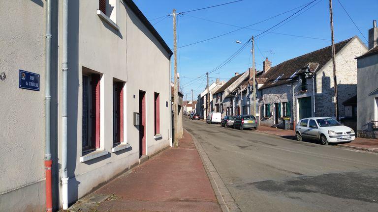 Vue de Bombon, un village dont la tranquillité dépend de l'héritage de Félix Houphouet-Boigny