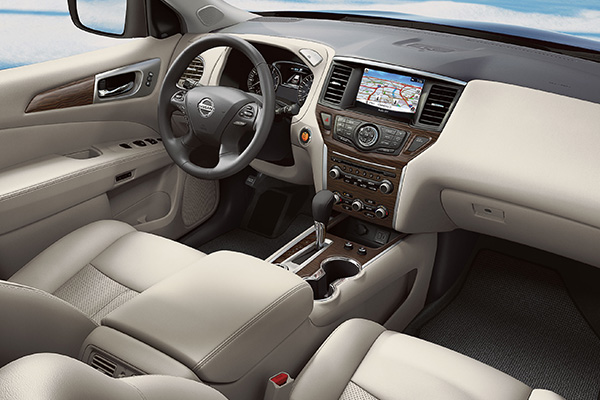 cabin-of-nissan-pathfinder-2020
