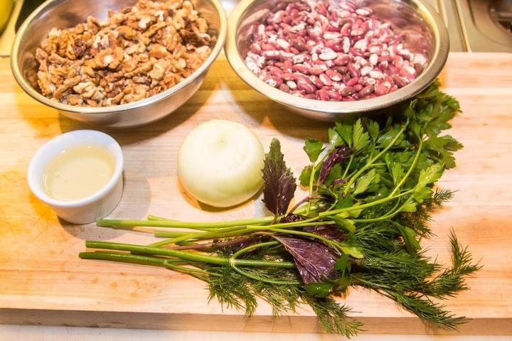 Ингредиенты для того, чтобы приготовить постный суп с фасолью