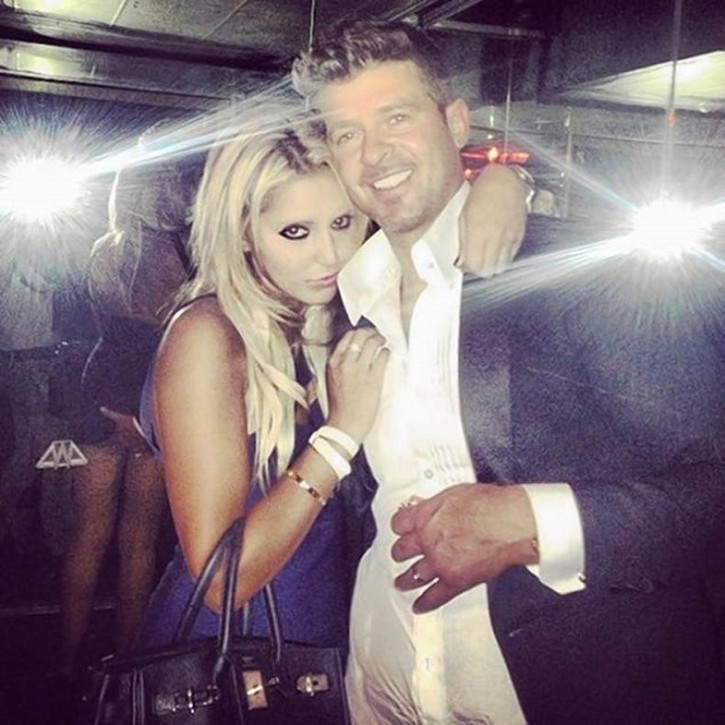 Robin-Thickes-dodgy-pic
