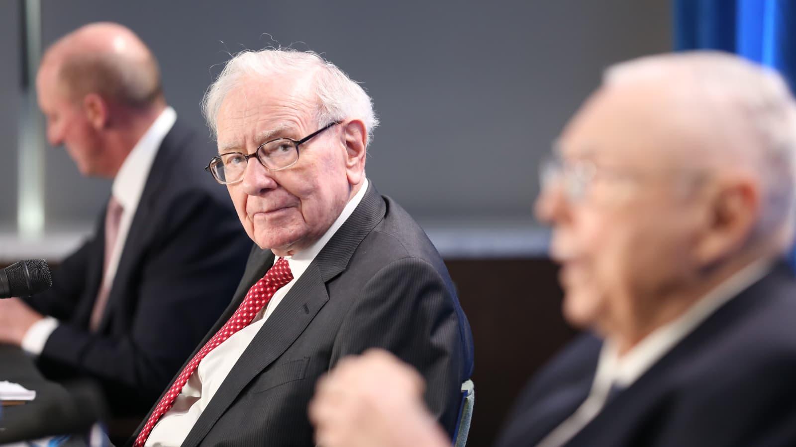 Tỷ phú huyền thoại Warren Buffet dự báo về 'đại dịch mới'
