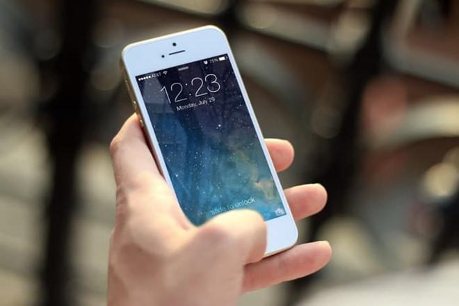 iPhone 5S, 6 nhu 'song lai' khi len iOS 12 hinh anh 1