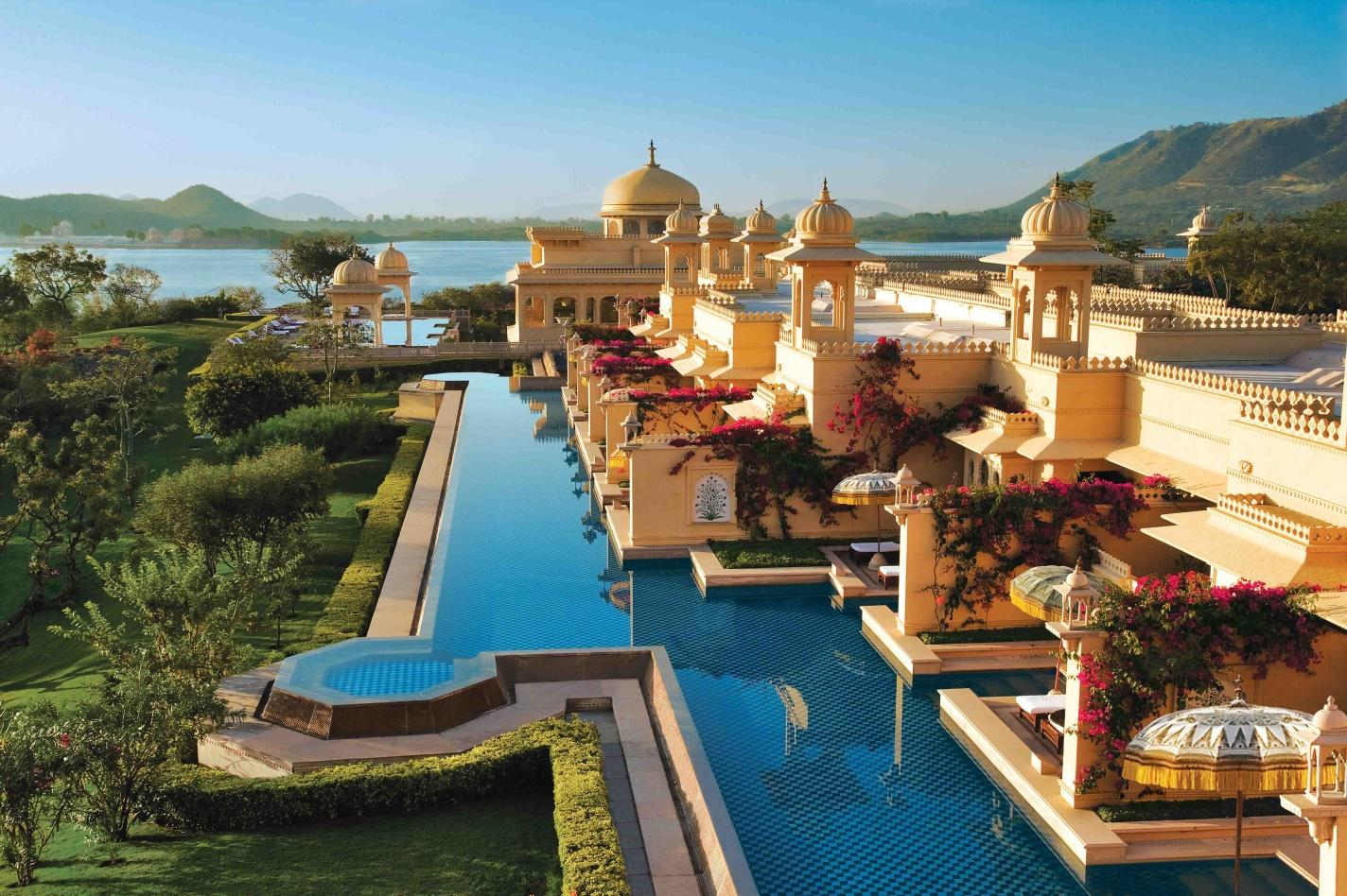 http://www.leead.in/wp-content/uploads/2015/06/the_oberoi_udaivilas_-_semi_private_poolslowres.jpg