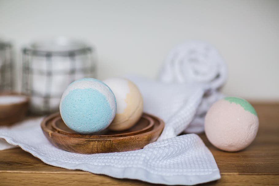 A Guide to the Perfect Epsom Salt Bath Bomb 3