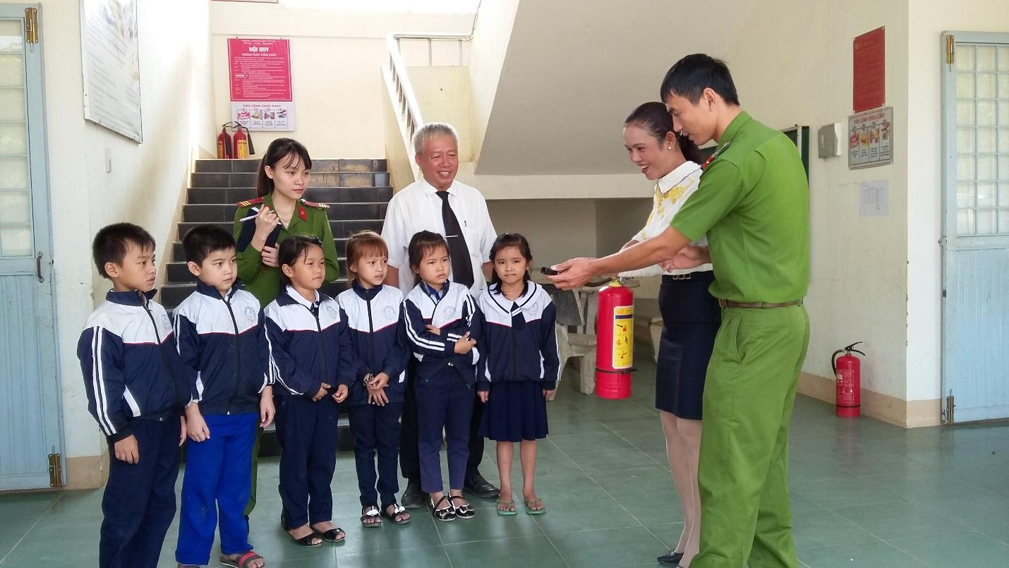 C:UsersMy PCDesktopanh Nguyen Huu Canh20160406_092648.jpg