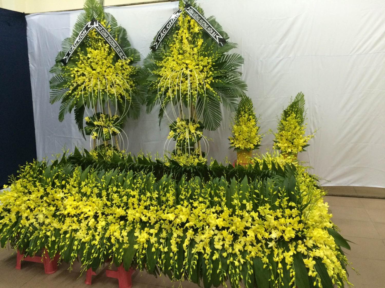 Kết quả hình ảnh cho mua hoa tang lễ