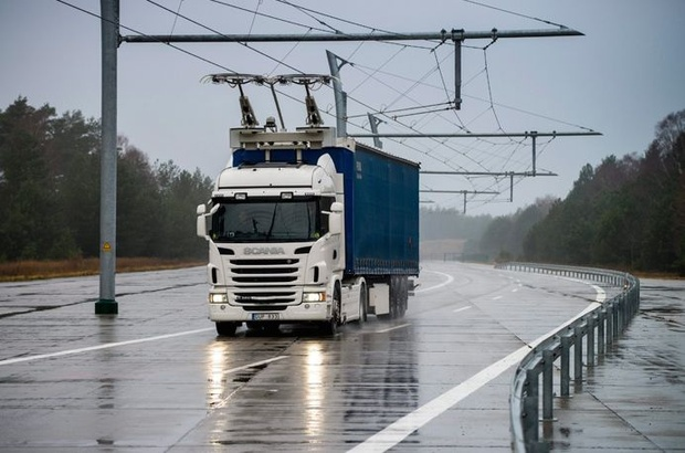 World-S-First-Electric-Road-in-Sweden.jpg