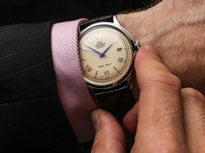 Chỉ với 3 bước siêu đơn giản, chiếc đồng hồ Orient Automatic đã được cài lại đúng giờ