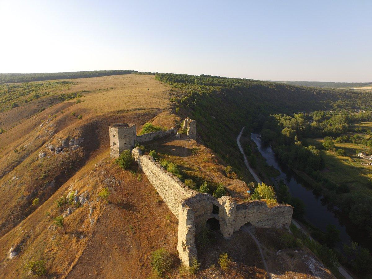 Імідждаунлодер - Кудринецький замок, у котрому намагалися зробити пропагандисьський музей.JPG