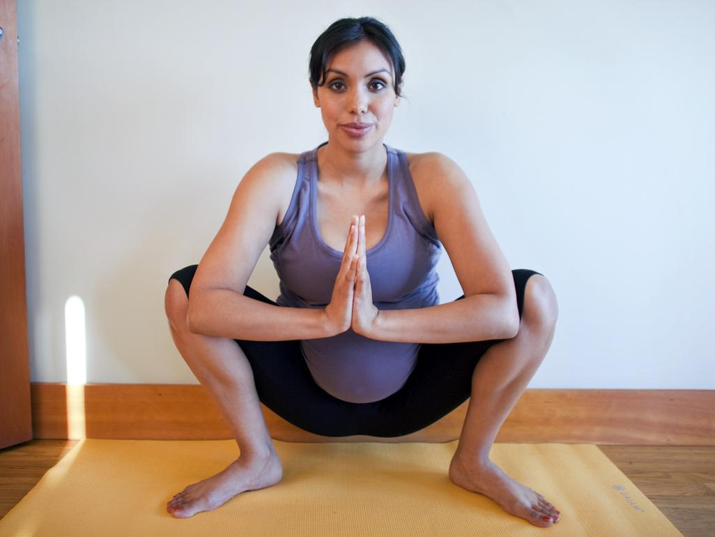 yoga squat to treat hip pain while pregnant