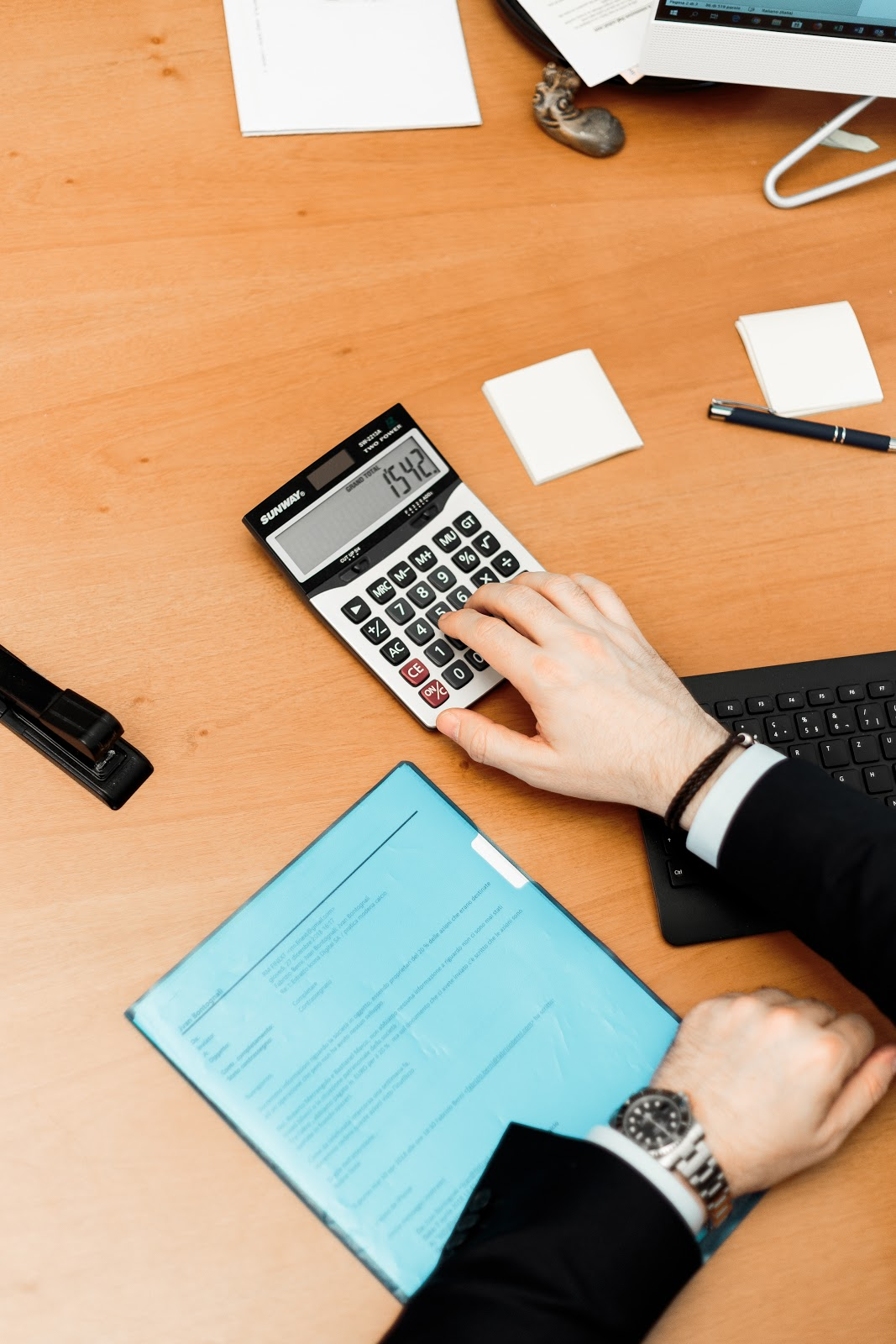 How to Calculate a Margin Cost - Business Tips