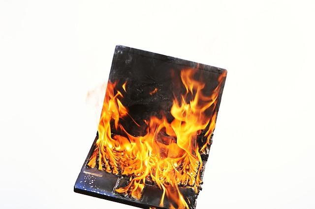 炎上のリスクを考える