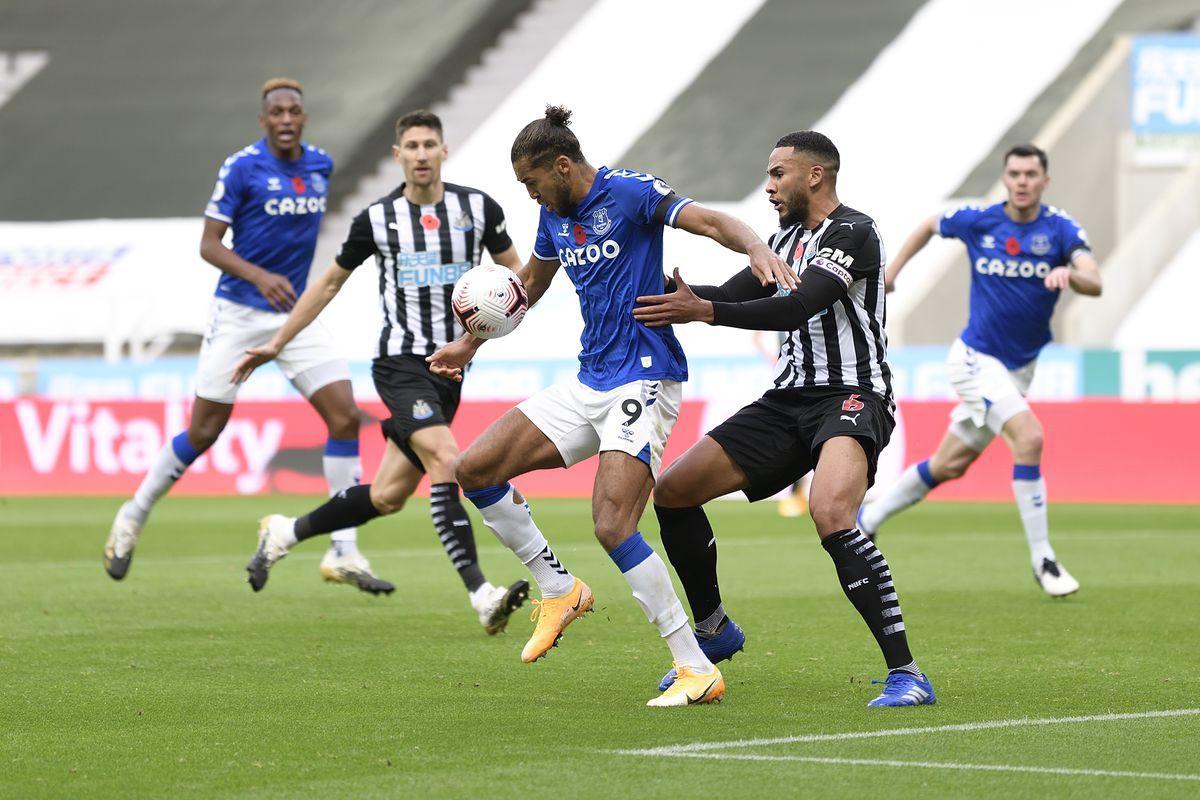 Everton từng để thua Newcastle United 1-2 ở lượt đi
