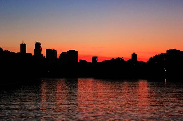 sunset-2442659_640.jpg