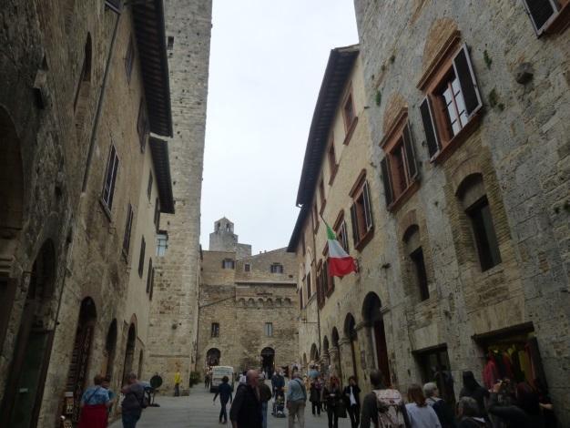 C:\Users\Gonzalo\Desktop\Documentos\Fotografías\La Toscana\103_PANA\103_PANA\P1030369.JPG