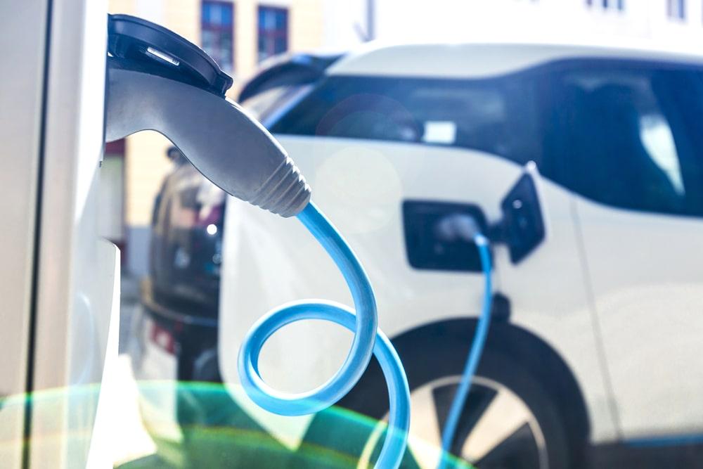 É importante que haja modais mais sustentáveis do que o uso de combustível fóssil. (Fonte: Shutterstock)