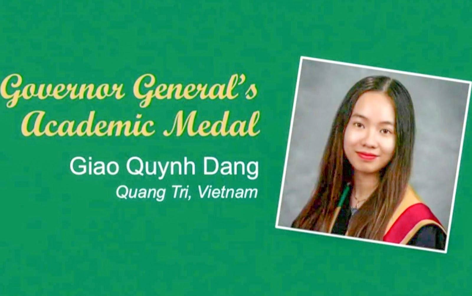 Đặng Quỳnh Giao vinh dự được nhận Huy chương toàn quyền Canada tại lễ tốt nghiệp đại học - Ảnh: NVCC