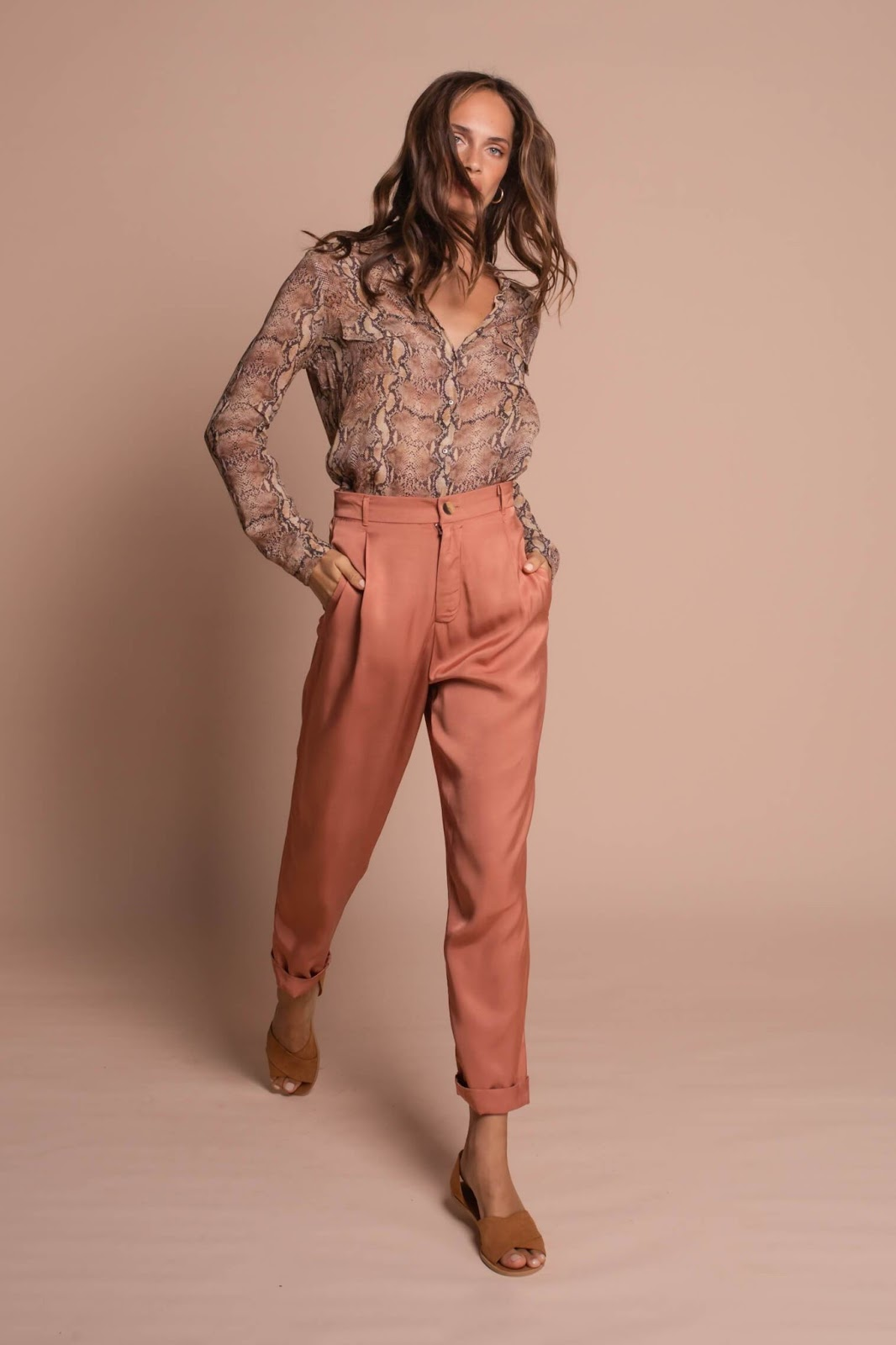 Satin Cropped Pants in Coral