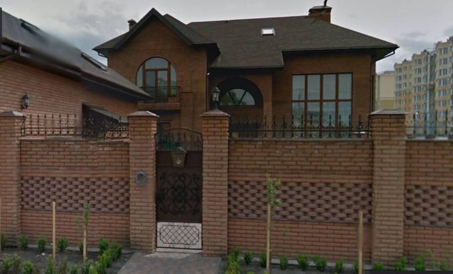 Будинок Геннадія Дмитренка в Софіївській Борщагівці, переписаний на сина посадовця перед призначенням на посаду першого заступника голови Житомирської ОДА