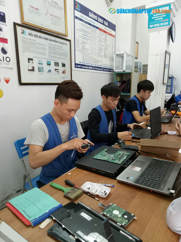 Laptop-cleaning-service-1