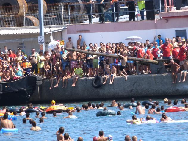 http://www.pueblos-espana.org/fotos_originales/1/5/7/00844157.jpg