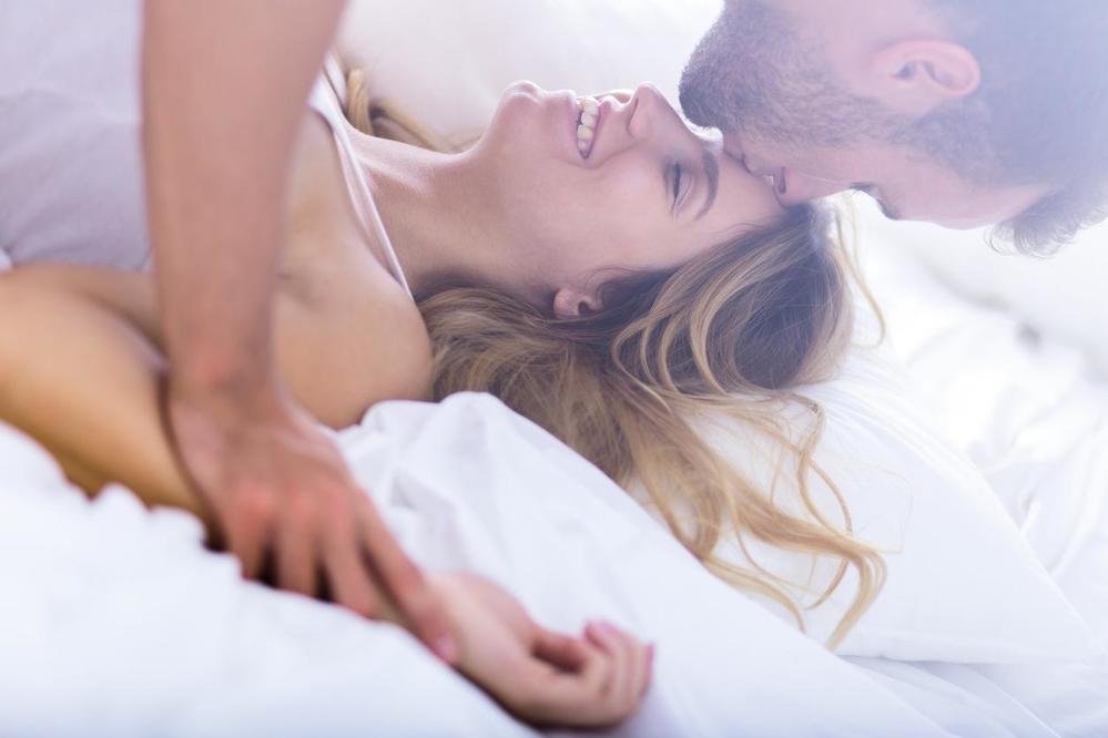 Đừng ngại ngần mà hãy chủ động trong chuyện ấy để thay đổi cảm giác mới lạ cho chồng.