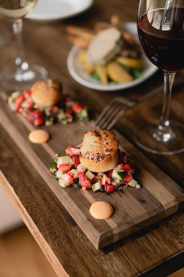 鮮果風的莎莎醬,獨特又清爽,也是種能與干貝完美結合的搭配。