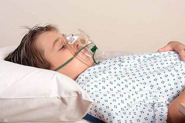 Cho bệnh nhân thở oxy nếu cần