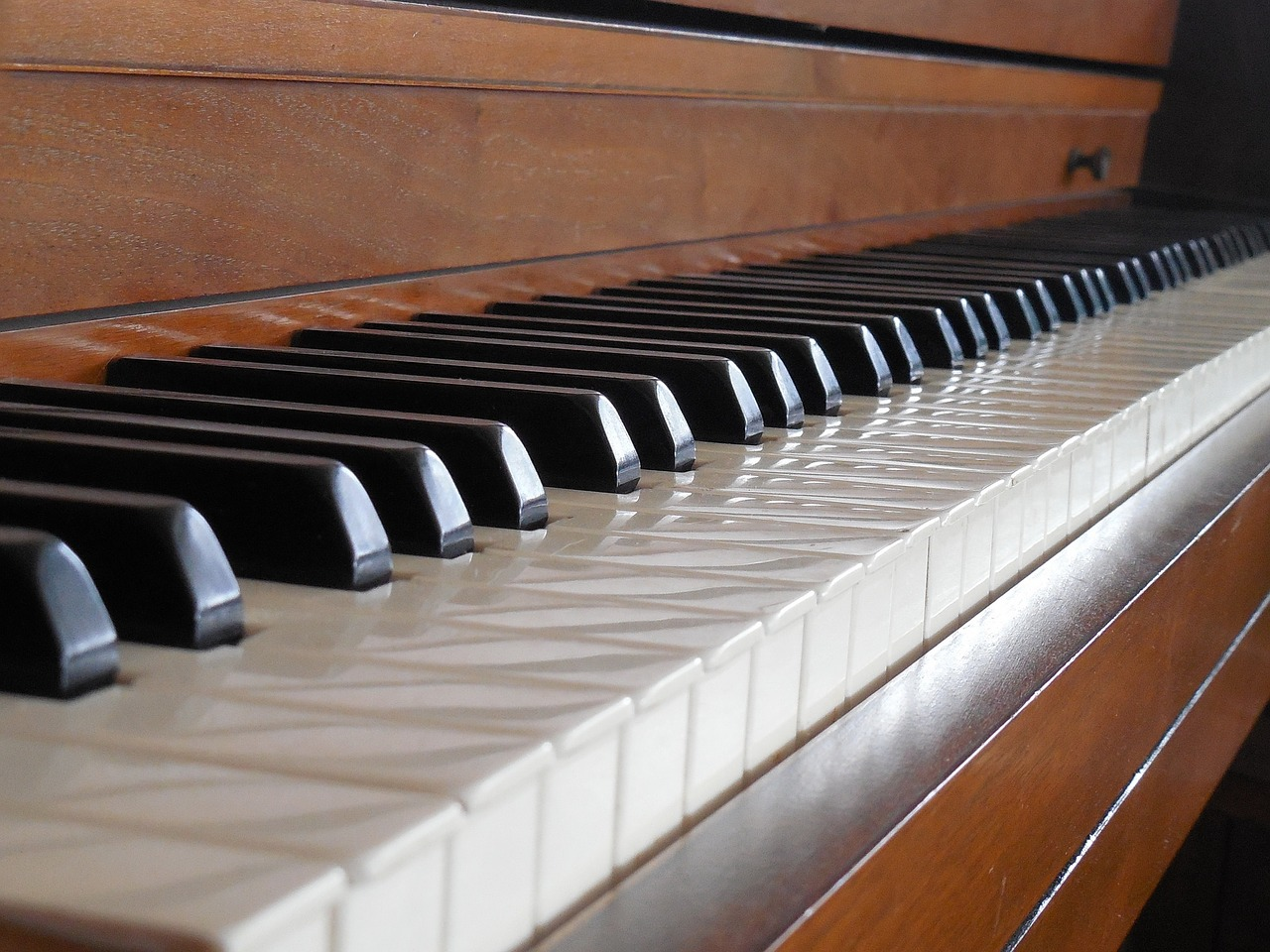 Best Piano For Piano Performances At Retirement Homes