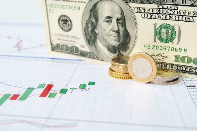The dollar still breaks up
