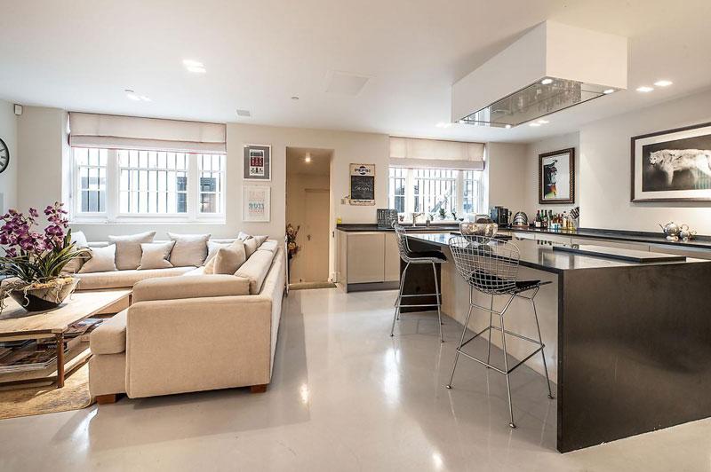 decoracao de sala e cozinha juntas simples:Dosis Arquitectura: Techo de Vidrio de una casa única en Londres