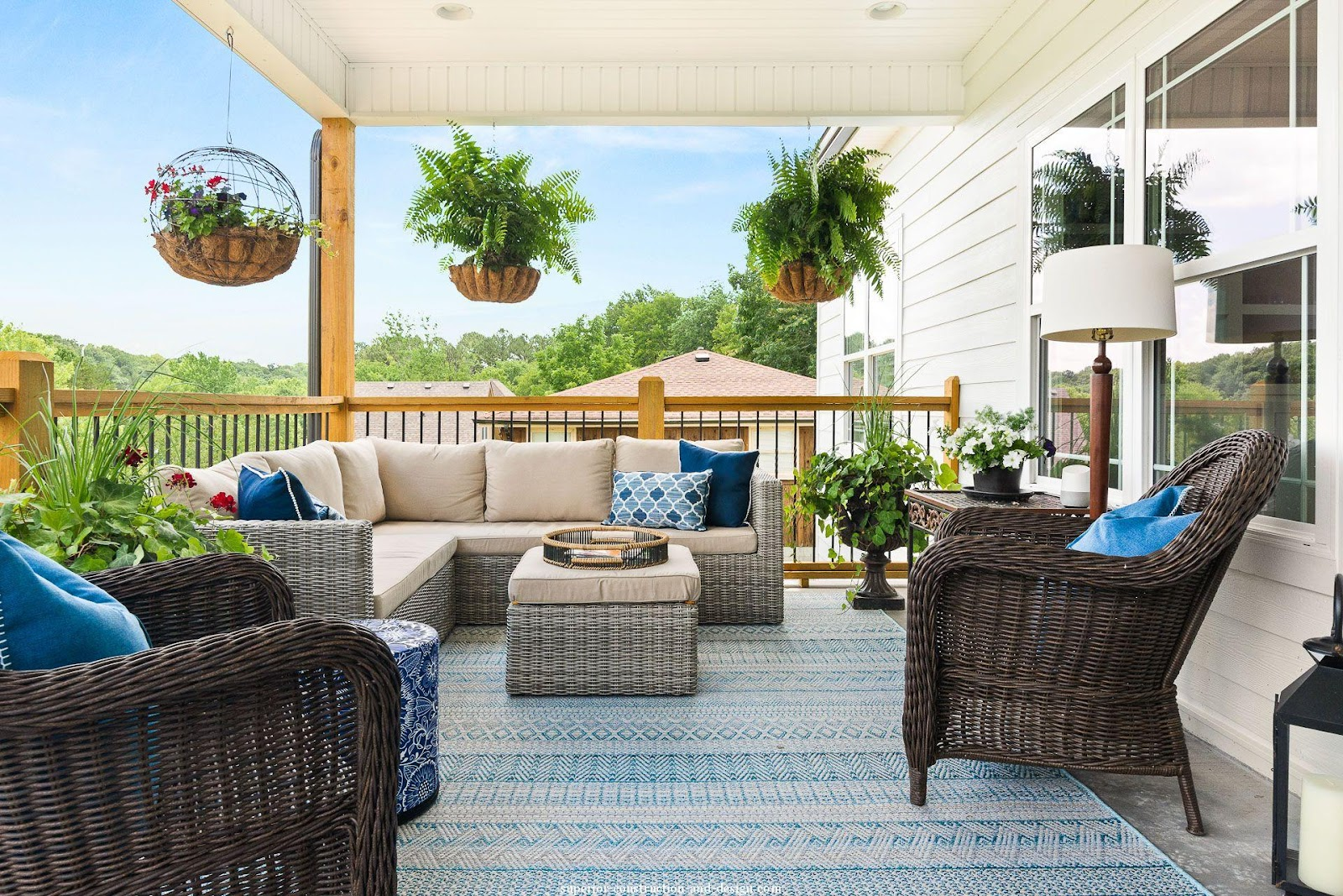 superior construction and design general contractor outdoor living area new build