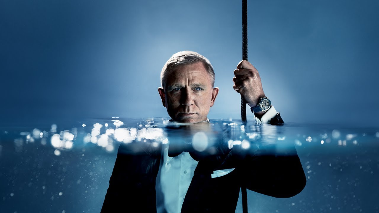 Daniel Craig in the Omega Seamaster.