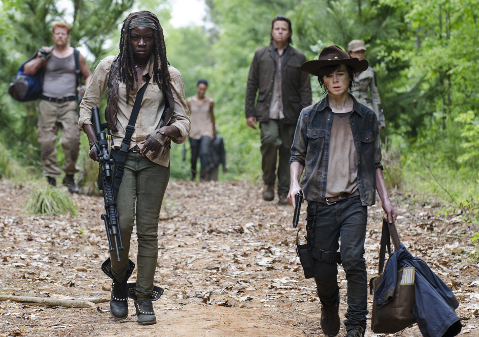 the-walking-dead-episode-502-michonne-gurira-carl-riggs-935.jpg