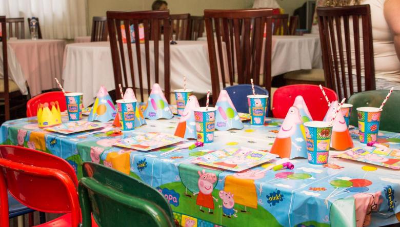mesinha para crianças - festa de aniversário tema Peppa Pig