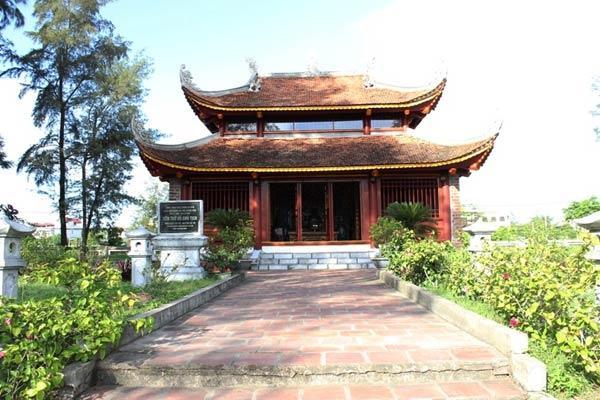 Nhà lưu niệm Bác Hồ có gì đáng khám phá khi đi tour du lịch Cô Tô?
